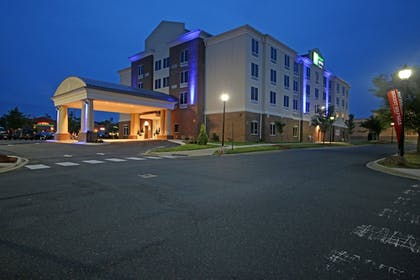 Featured Image | Holiday Inn Express & Suites Charlotte North