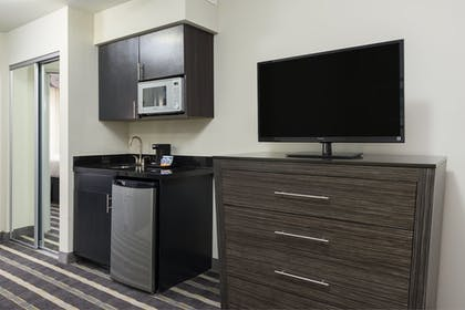 Room | Holiday Inn Express & Suites Norman