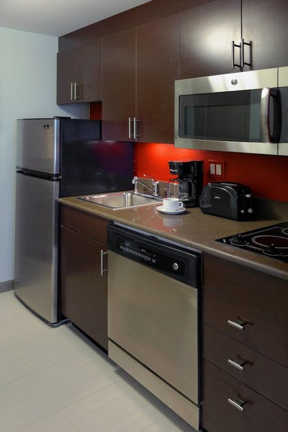 In-Room Kitchen   TownePlace Suites Springfield