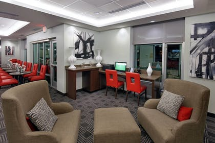 Lobby Sitting Area   TownePlace Suites Springfield