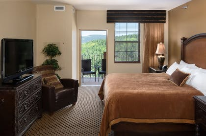 Guestroom | The Lodge at Deadwood Gaming Resort