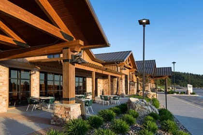 Hotel Front | The Lodge at Deadwood Gaming Resort