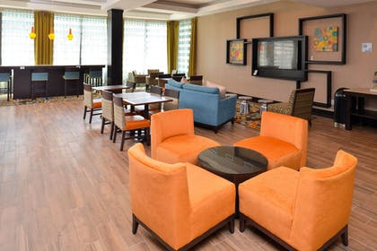 Lobby | Holiday Inn Express & Suites Austin South