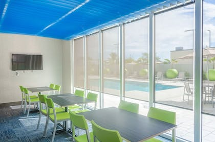 Sports Facility | Holiday Inn Express & Suites Miami Airport East