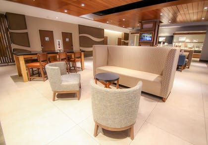 Restaurant | Holiday Inn Express & Suites Miami Airport East