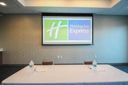 Meeting Facility | Holiday Inn Express & Suites Miami Airport East
