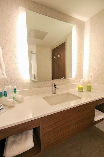 Bathroom Sink | Holiday Inn Express & Suites Miami Airport East