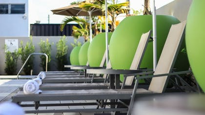 Outdoor Pool | Holiday Inn Express & Suites Miami Airport East