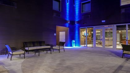 Terrace/Patio | Holiday Inn Express & Suites Miami Airport East