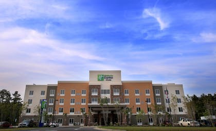 Exterior | Holiday Inn Express & Suites Southport - Oak Island Area
