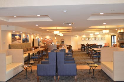 Lobby Sitting Area | Holiday Inn Express & Suites Springville-South Provo Area