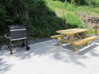 BBQ/Picnic Area | Crystal Springs Inn and Suites