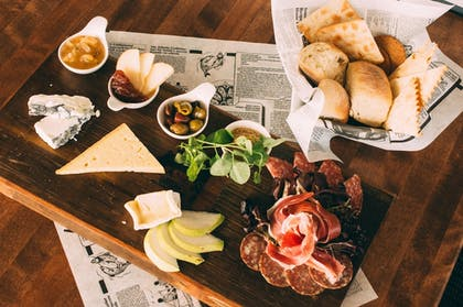 Food and Drink   The Inn At Harbor Shores
