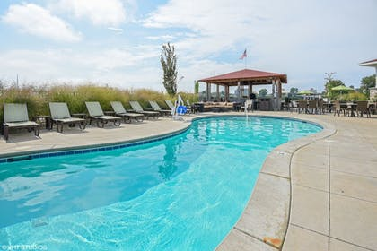 Outdoor Pool   The Inn At Harbor Shores