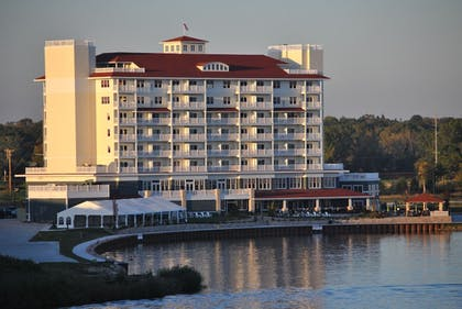 Featured Image   The Inn At Harbor Shores