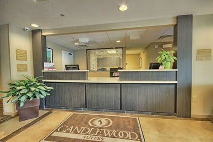 Lobby | Candlewood Suites Columbus - Grove City