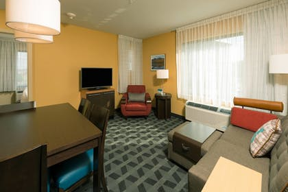 Guestroom | TownePlace Suites by Marriott Bangor