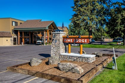 Hotel Front | The Pine Lodge on Whitefish River, Ascend Hotel Collection