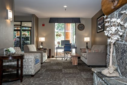 Hotel Interior | The Pine Lodge on Whitefish River, Ascend Hotel Collection