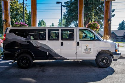 City Shuttle | The Pine Lodge on Whitefish River, Ascend Hotel Collection