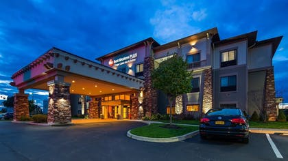 Featured Image | Best Western Plus Finger Lakes Inn & Suites