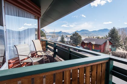 Balcony | Discovery Lodge