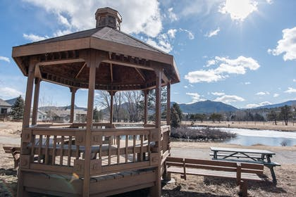 Gazebo | Discovery Lodge