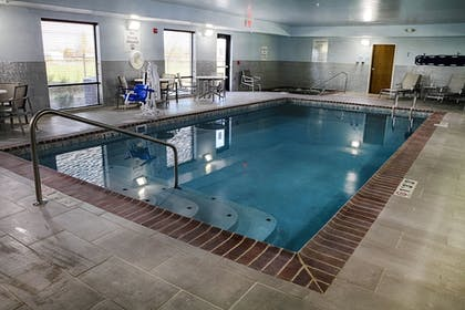 Pool   Holiday Inn Express & Suites Sidney