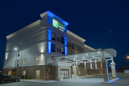 Featured Image   Holiday Inn Express & Suites Sidney
