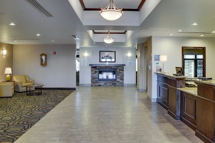 Lobby | Holiday Inn Express & Suites Nevada