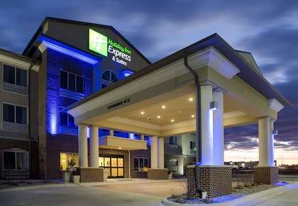 Exterior | Holiday Inn Express & Suites Nevada