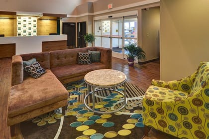 Lobby | Best Western Plus Patterson Park Inn