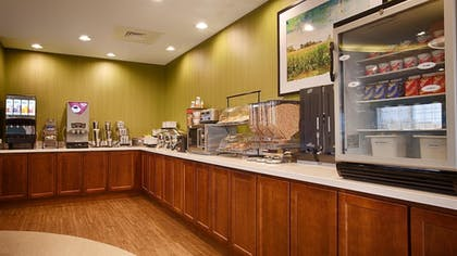 Breakfast Area | Best Western Plus Patterson Park Inn