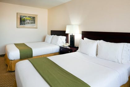 Guestroom | Holiday Inn Express & Suites Lebanon
