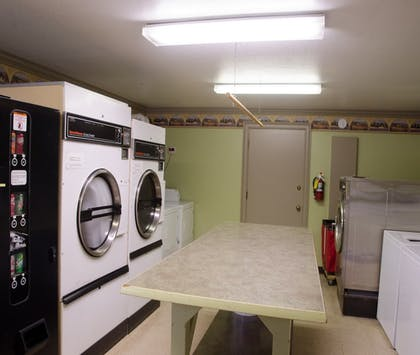 Laundry Room | Bond Hotel & Extended Stay