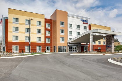 Hotel Front | Fairfield Inn & Suites Columbia