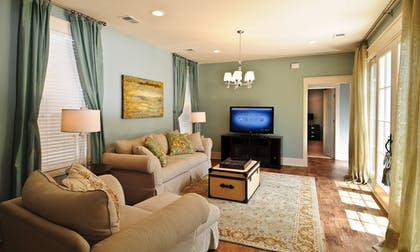 Living Room   The Cottages at North Beach Plantation