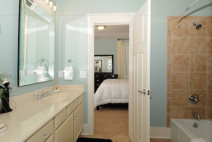 Bathroom   The Cottages at North Beach Plantation