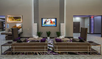 Lobby Sitting Area | Holiday Inn Express & Suites Garland E - Lake Hubbard I30