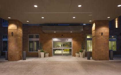 Exterior | Holiday Inn Express & Suites Madison Central