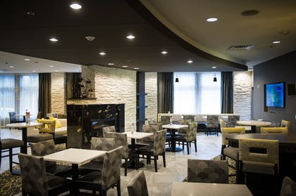 Restaurant | Holiday Inn Express & Suites Madison Central