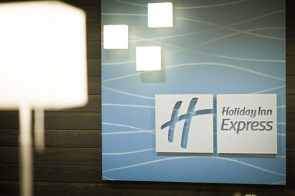 Lobby | Holiday Inn Express & Suites Madison Central