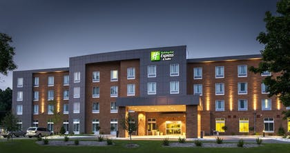 Featured Image | Holiday Inn Express & Suites Madison Central