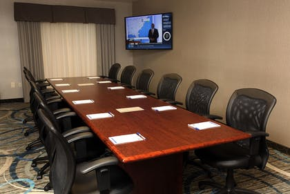 Meeting Facility | Holiday Inn Express & Suites Omaha South - Ralston Arena