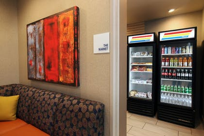 Lobby | Holiday Inn Express & Suites Omaha South - Ralston Arena