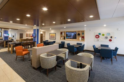 Restaurant | Holiday Inn Express & Suites Rochester Hill - Detroit Area