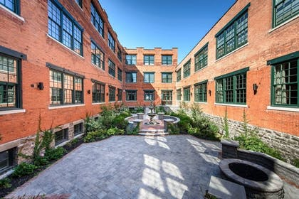 Courtyard   Foundry Suites