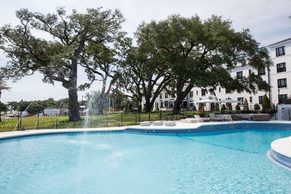 Outdoor Pool | White House Hotel, An Ascend Hotel Collection Member