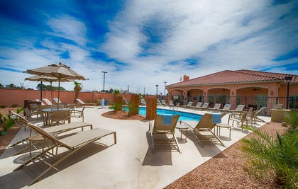 Outdoor Pool | TownePlace Suites Seguin