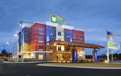 Featured Image | Holiday Inn Express & Suites Hot Springs